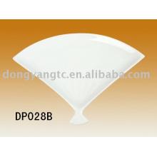 Porcelain fan shape plate