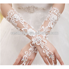 Großer niedriger Preis Eleganter Rhimestone-Winkelstück-Blumen formaler Hochzeits-Brauthandschuh