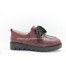 Bequeme niedrige Ferse-Frauen-beiläufige lederne Schuhe