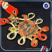 Impression des médaillons décoratifs en métal doré (m-31)