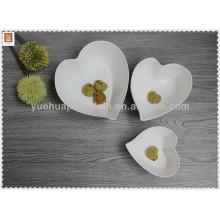 Tazón de fuente de la porcelana de la forma del corazón