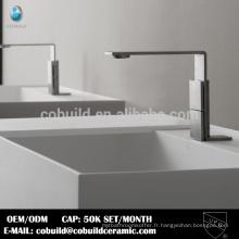 Chine usine sanitaire 304 en acier inoxydable satiné surface salle de bains robinet pour bassin