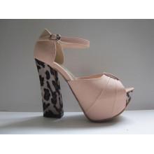 2016 nuevas sandalias de las mujeres de la cuña de la colección (Hcy03-023)
