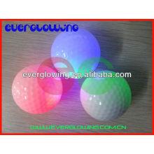 Venta caliente 2017 de las pelotas de golf del flash del LED para el entrenamiento de la noche