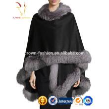 Châle du Cachemire en laine fine avec lapin en fourrure