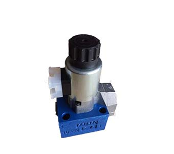 Hydraulic valve with solenoid actuation