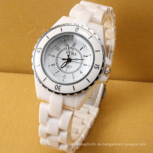 Kunden-Entwurfs-Quarz-Bewegungs-Plastikmädchen-Uhr