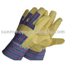 Виниловая перчатка