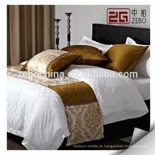Jogos luxuosos da cama com bandeira da cama e almofada do throw