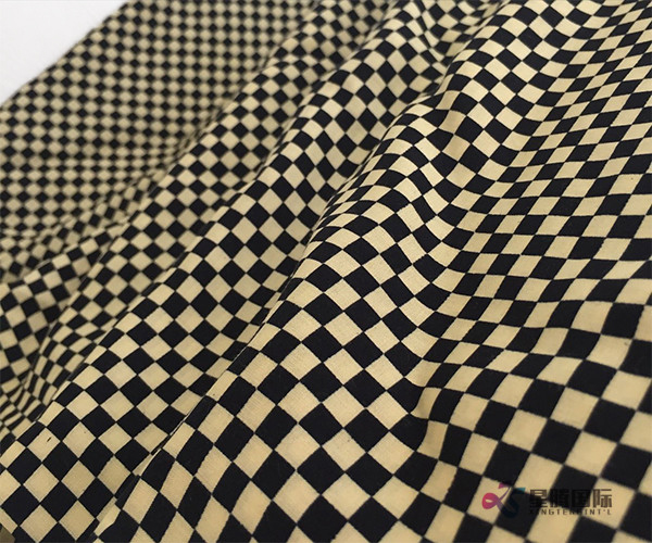 Fashionable Checkered Pattern Design 100% Rayon Woven Fabric (3)