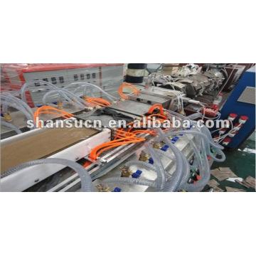 WPC / PVC Ventanas y puertas perfil que hace la máquina