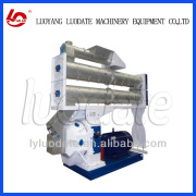 Feed pellet machine as cow farm equipment for dairy farm
