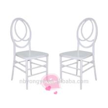 Silla blanca de fénix de la boda