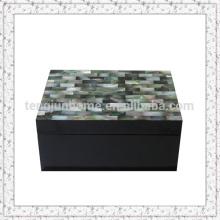 Коробка для хранения табака ручной работы с мозаикой Shell
