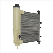 Tanque de agua plástico del coche del tanque del radiador auto