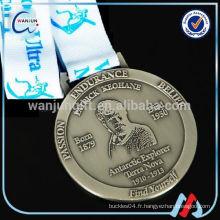 Médaille d'échec d'or OEM pour école Compétition