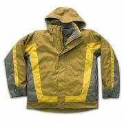 Men's Coat, Made of 100% Nylon and Seam Sealed with Inner Fleece Jacket, Available in free size