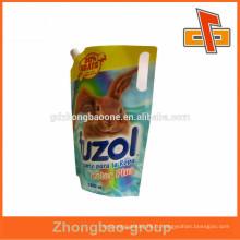 Sac en plastique de forme personnalisée avec type de levage pour emballage liquide Fabrication de porcelaine