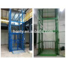 ascenseur sur rail de guidage / Cargo Hydraulic Rail type lift / platform Plate-forme élévatrice sur rail de guidage