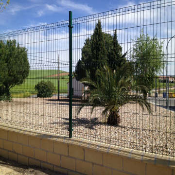 PVC Coated Holland Wire Mesh Fence 3D lenturan