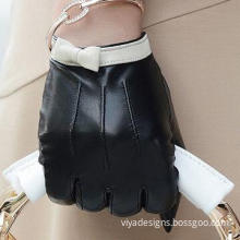 Gloves, Made of Leather and Polyester Lining, Fashionable Design