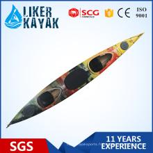Bateau de kayak professionnel de 5,5 m de longueur en plastique