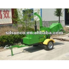 Trailer Mounted Wood Chipper with Engine
