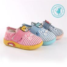 Zapatos de bebé Zapatos de inyección Zapatos preciosos (SNC-002016)