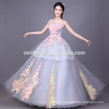 El vestido de bola coloreado por encargo Ruffled los vestidos de los vestidos del gris de Quinceanera