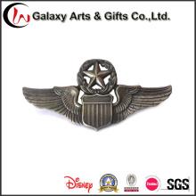 Distintivo antigo de venda quente de níquel do preço de fábrica para Eagle Wings