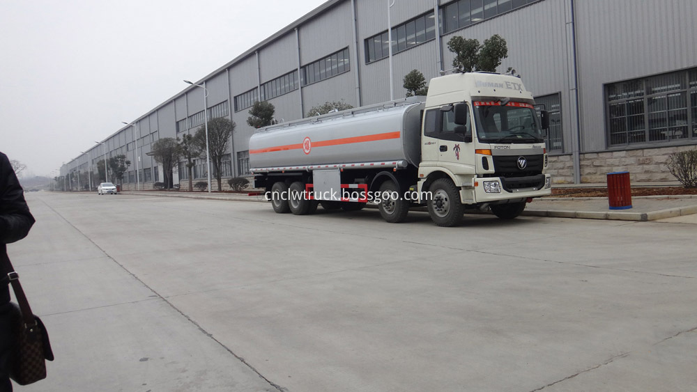 heavy duty fuel tank truck 1