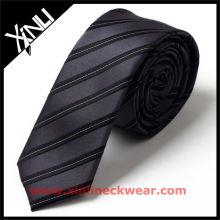 Cravate élastiquée à rayures élastiques