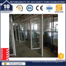 Puerta plegable corredera de aluminio con rejilla de aluminio