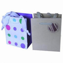 Retail Paper Bags with 1C/Full-color Printing, Customized Sizes, Colors and Logos Accepted