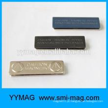 Emblema magnético chinês nome do fabricante com fecho magnético