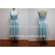 Decote e vestido de noite com desconto azul claro
