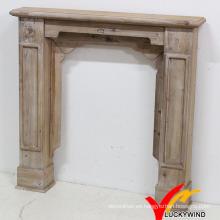 Mantel de chimenea de madera independiente de interior rústico