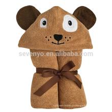 Serviette de bain à capuchon pour enfant, chien marron avec des yeux en feutrine et un nez brodé et des taches de rousseur, 100% coton biologique