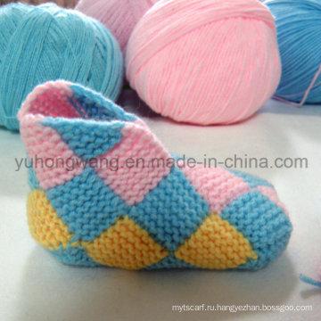 Ручная вязания крючком носки ребенка, чулки