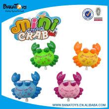 Vento acima do brinquedo do caranguejo para miúdos