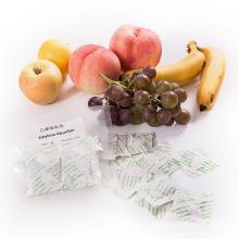Pacotes absorventes de etileno e filtros estendem a vida útil de frutas, legumes e flores
