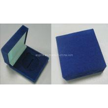 Caja de terciopelo azul sin logotipo