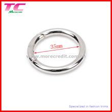 Кольцо из металлической пружины для сумочки