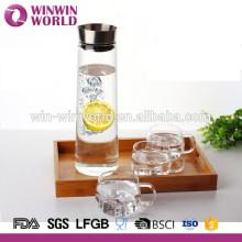 Pichet d'eau en verre clair de borosilicate en gros avec le filtre