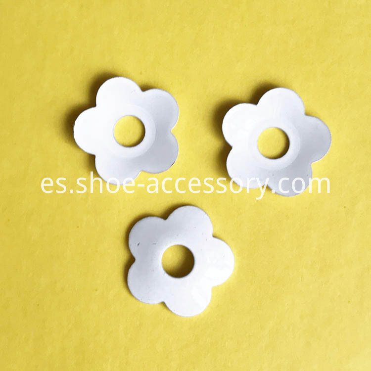 White Brass Flowers 11.5mm