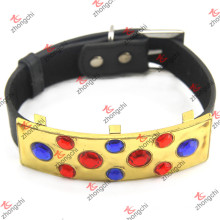 Collar de perro de cuero negro con gran metal de oro al por mayor (PC15121409)