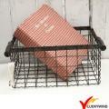 Antique vintage metal industrial fio armazenamento cesta com alça de madeira