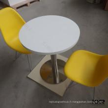table et chaises de surface solide enfants blancs