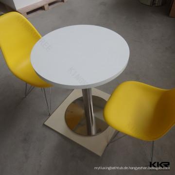 weiße Kinder feste Oberfläche Tisch und Stühle