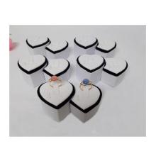 Anillo en forma de corazón de la exhibición del anillo de la joyería en forma de corazón al por mayor (R-2)